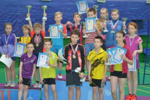 dush2-vo-news-2016-04-27-badminton-2