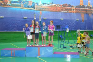 dush2-vo-news-2016-04-27-badminton-3